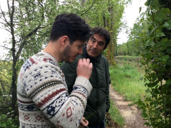 Isaac y Manuel hablando web